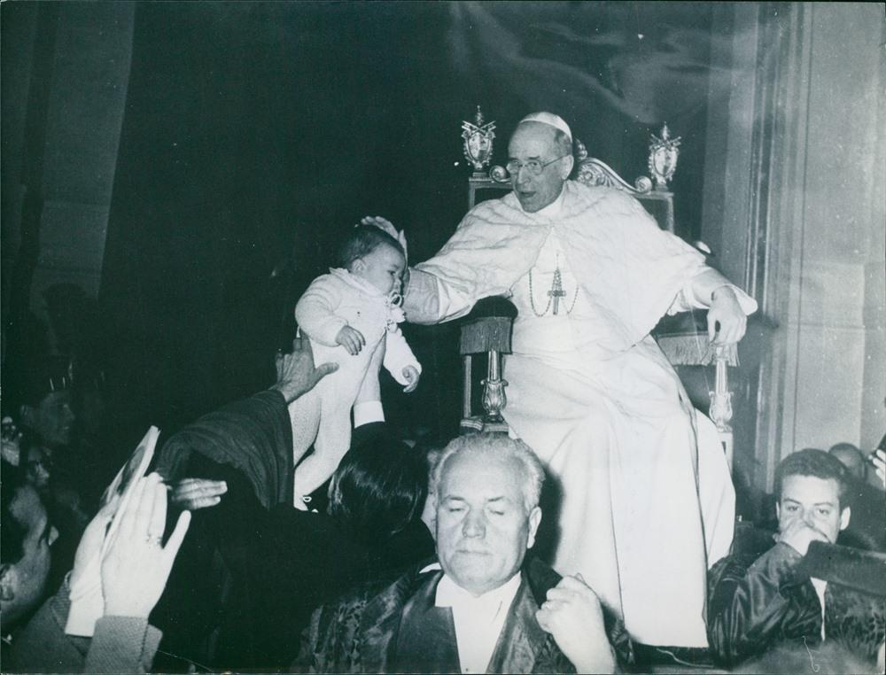 Nuovi studi su Pio XII: salvò due terzi degli ebrei romani