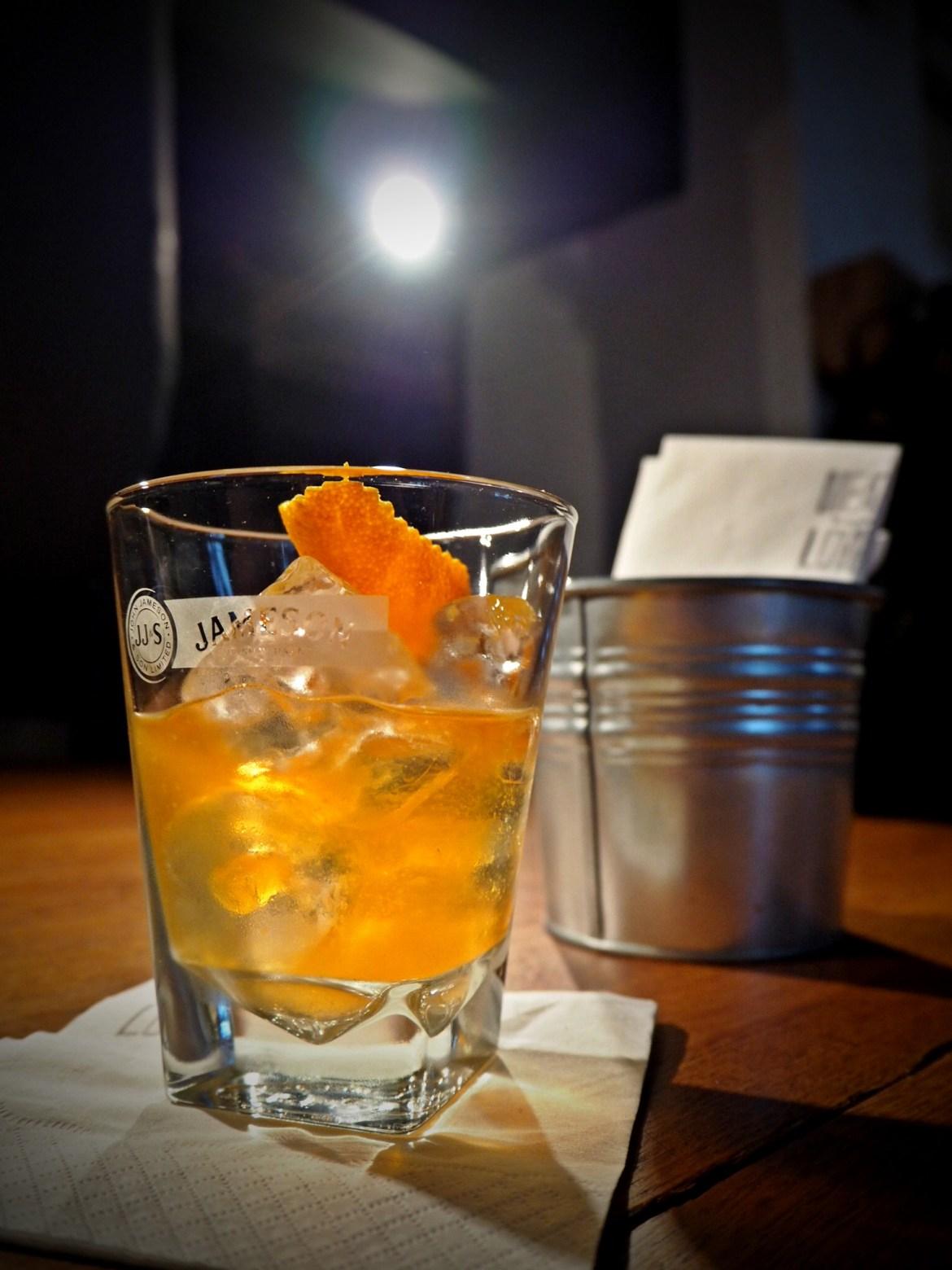 Jameson infuzowany skórką pomarańczową i bekonem. Klasa.