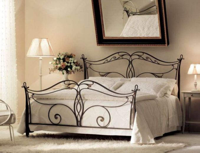 Beautiful beds - varieties and features of choice 52