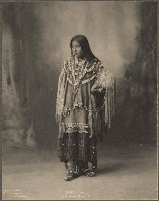 Хетті Том, Чірікахуа Апаче, 1899 р. (Фото Френка А. Райнхарта)