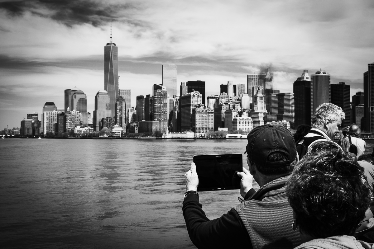 The Ipadographers : 3 : Manhattan Skyline