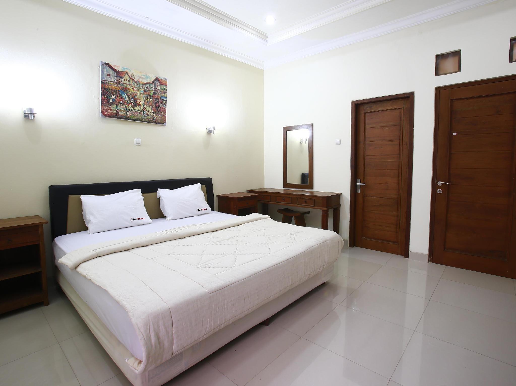 Reddoorz Near Arteri Pondok Indah Online Booking