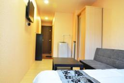 02 Standard Double Room A - Gonguang MRT exit. 1 02 Standard Double Room A - Gonguang MRT exit. 1