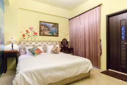 302雙人加大房附陽台 - 近花蓮高商 Near Hualien Commercial High School - 302 Doule Room with balcony