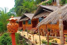 Akha Mud House Mae Salong Akha Mud House Mae Salong
