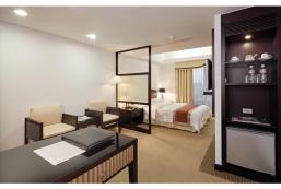 天下大飯店 La Plaza Hotel