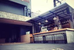 镐立813旅館 813 Khaolak Hostel