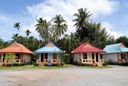 Cosy Bungalows, Riverside Palm Resort, Surat Thani Cosy Bungalows, Riverside Palm Resort, Surat Thani