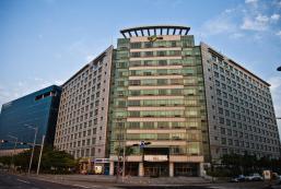 皇冠膠囊旅館 Crown Capsule Hotel