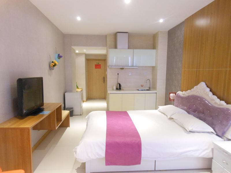 Xian Colors Of The Rainbow Holiday Apartment In China Room