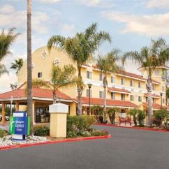Hotels With Kitchens In San Diego Glass Kitchen Cabinet Doors 加利福尼亞州埃斯孔迪多 Ca 聖地亞哥埃斯孔迪多智選假日套房酒店 Holiday Inn Express Hotel