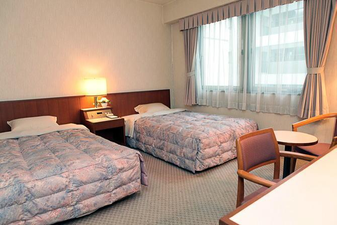 Quincys Inn Toyohashi Japan Photos Room Rates Promotions