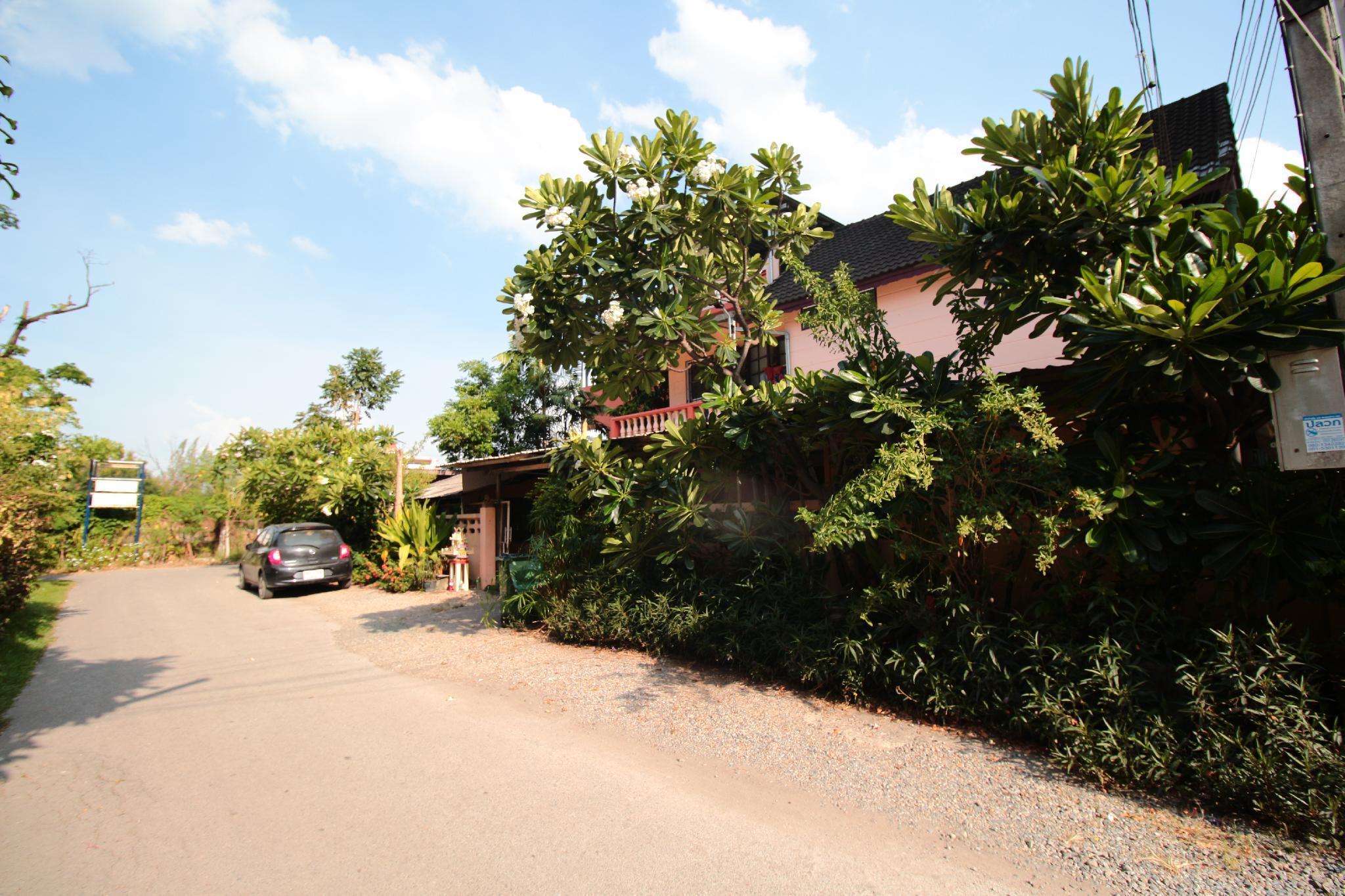 Hug Chang House Hostel Chiang Mai Deals Photos Reviews