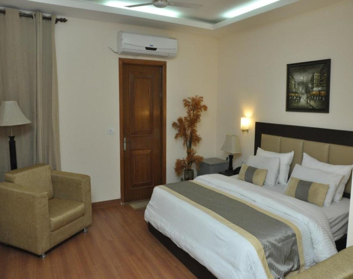 Hotel Lohmod In New Delhi And Ncr Room Deals Photos Reviews
