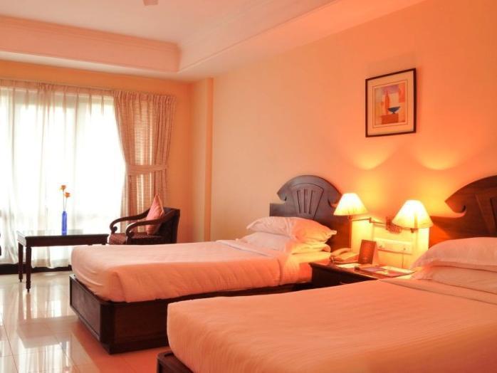 Kanoos Residency In Guruvayoor Room Deals Photos Reviews