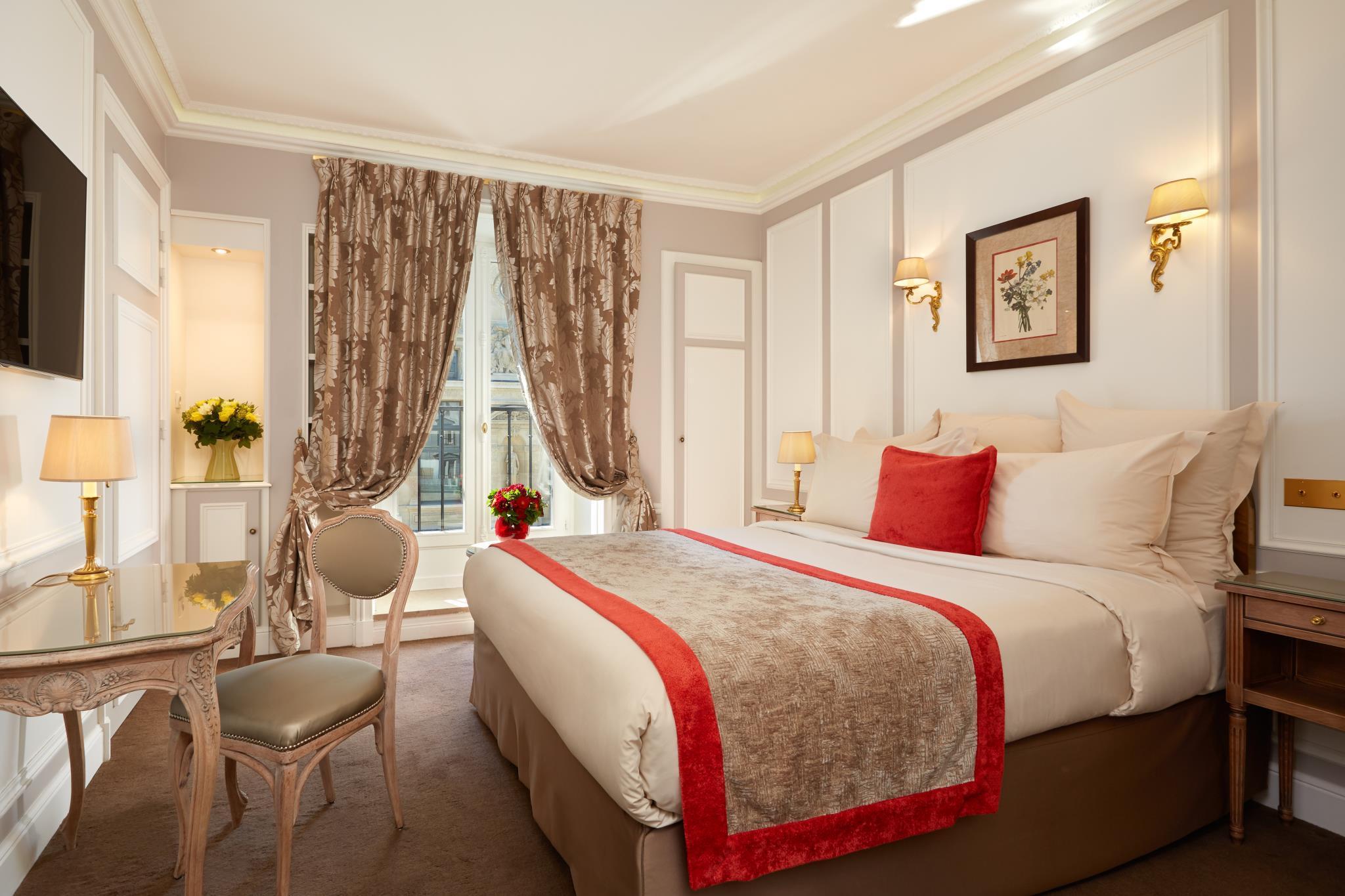 Hotel Regina Louvre 1st Louvre Chatelet Paris Room