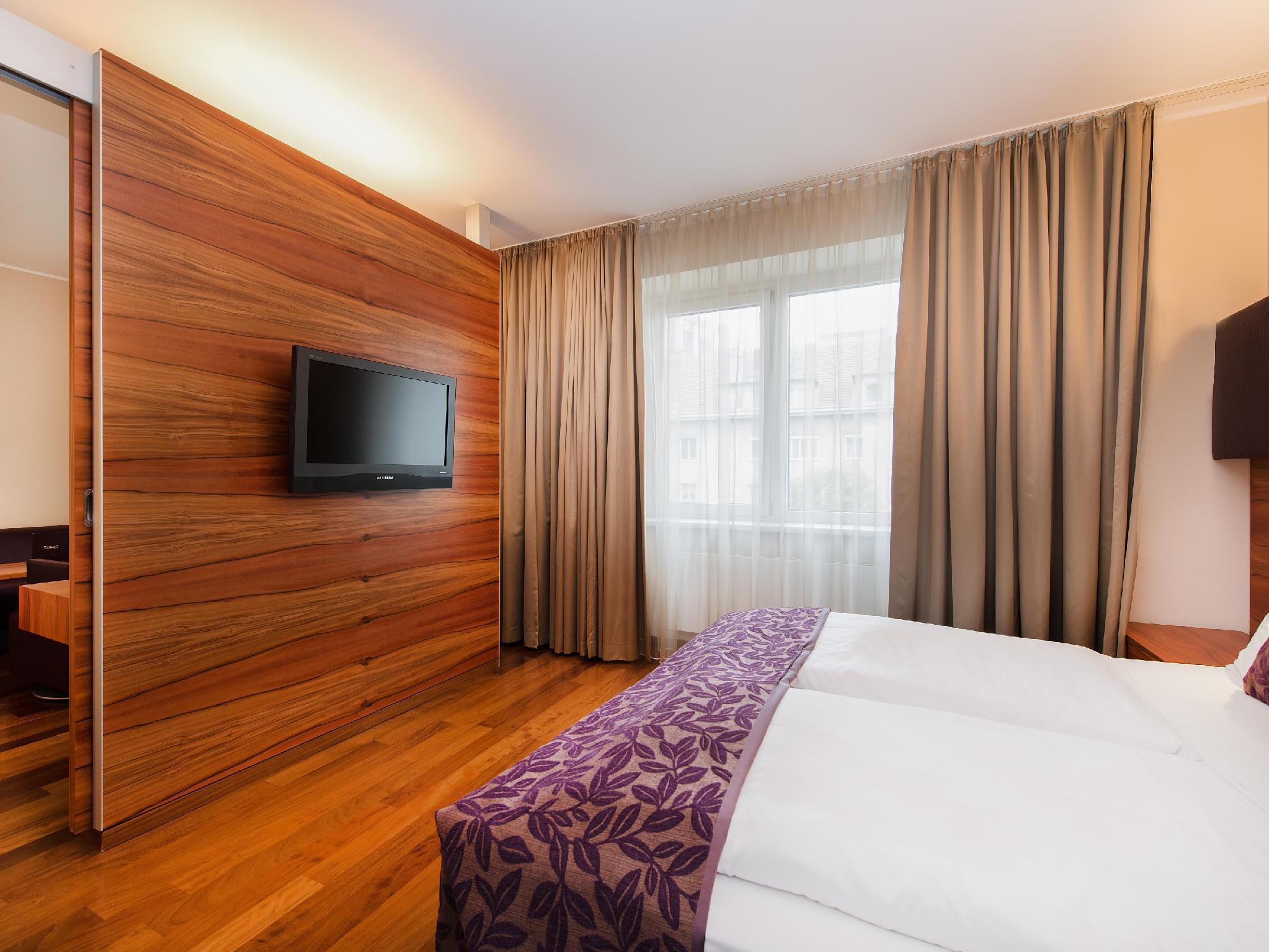 Pakat Suites Hotel 04 Wieden Vienna Room Deals Photos