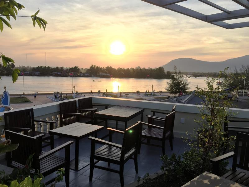 Deals On Makk Hotel In Kampot Promotional Room Prices