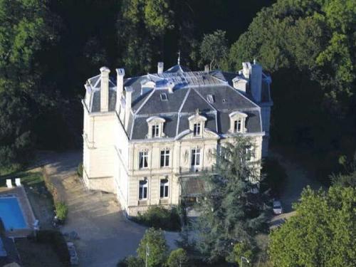 Hotel Chateau De Verrieres Spa The Originals Collection