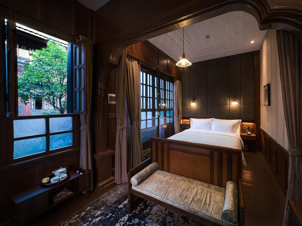 The Silver Chest Boutique Hotel In Kunming Room Deals