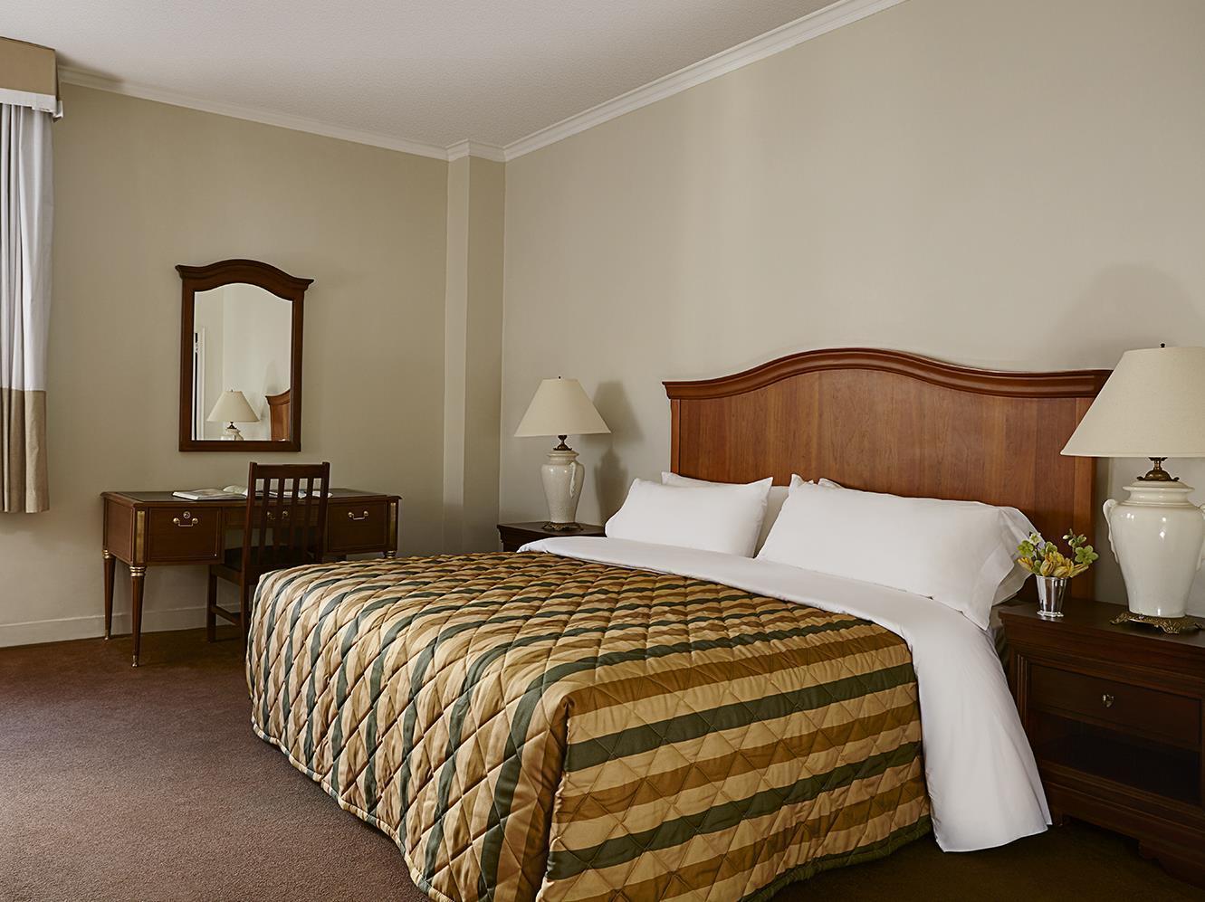 Hotel Pennsylvania In New York Ny