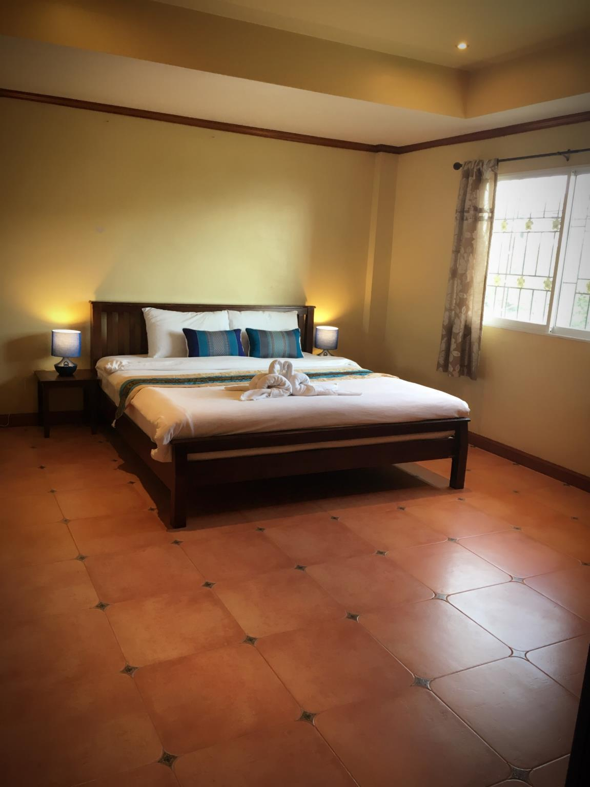 Sunshine Coast Inn In Pattaya Room Deals Photos Reviews