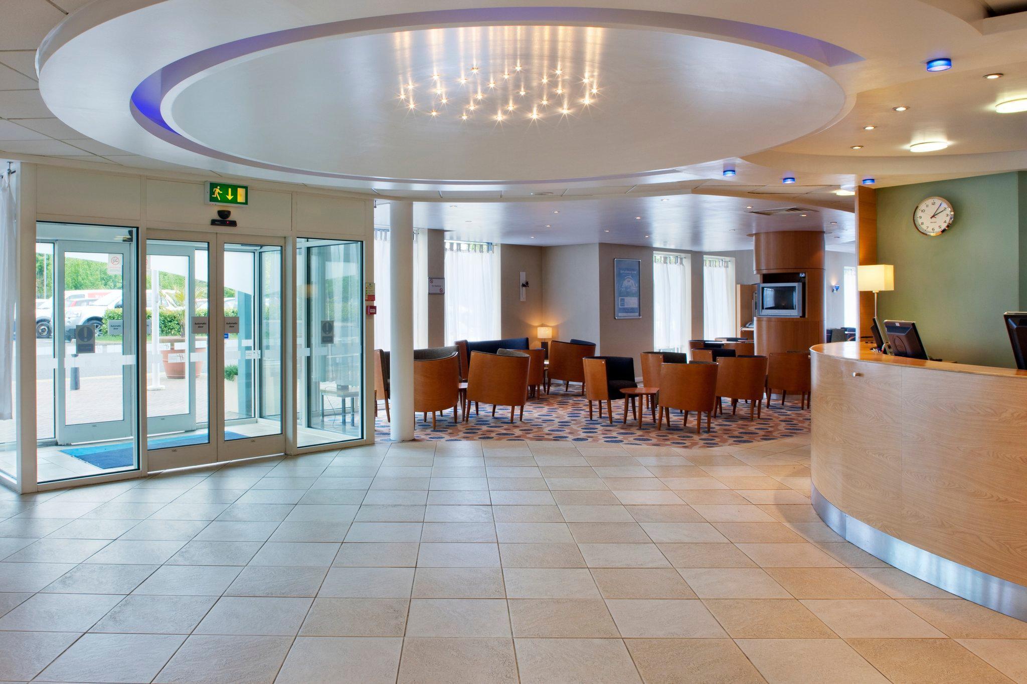 Holiday Inn Express Oxford Kassam Stadium Booking Agoda