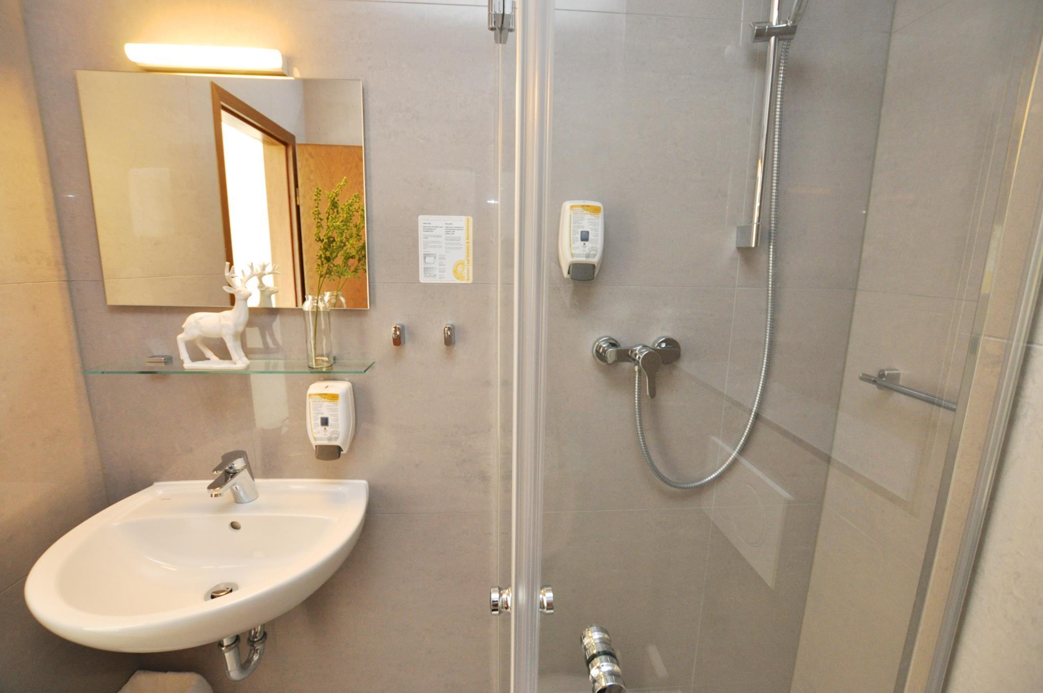 Hotel Perlach Allee By Blattl In Munich Room Deals Photos