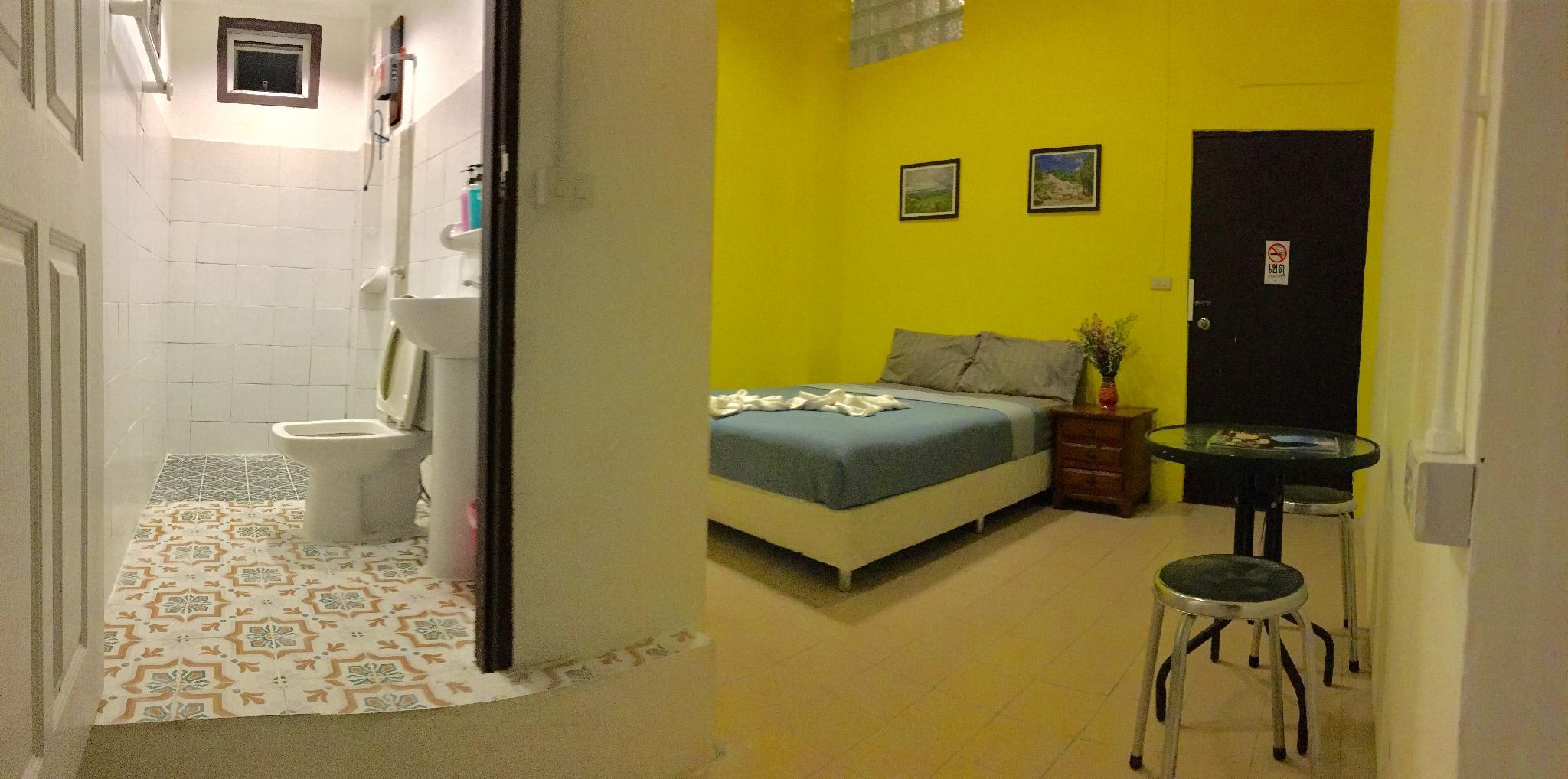 Yak Guesthouse Tha Phae Chiang Mai Room Deals Photos