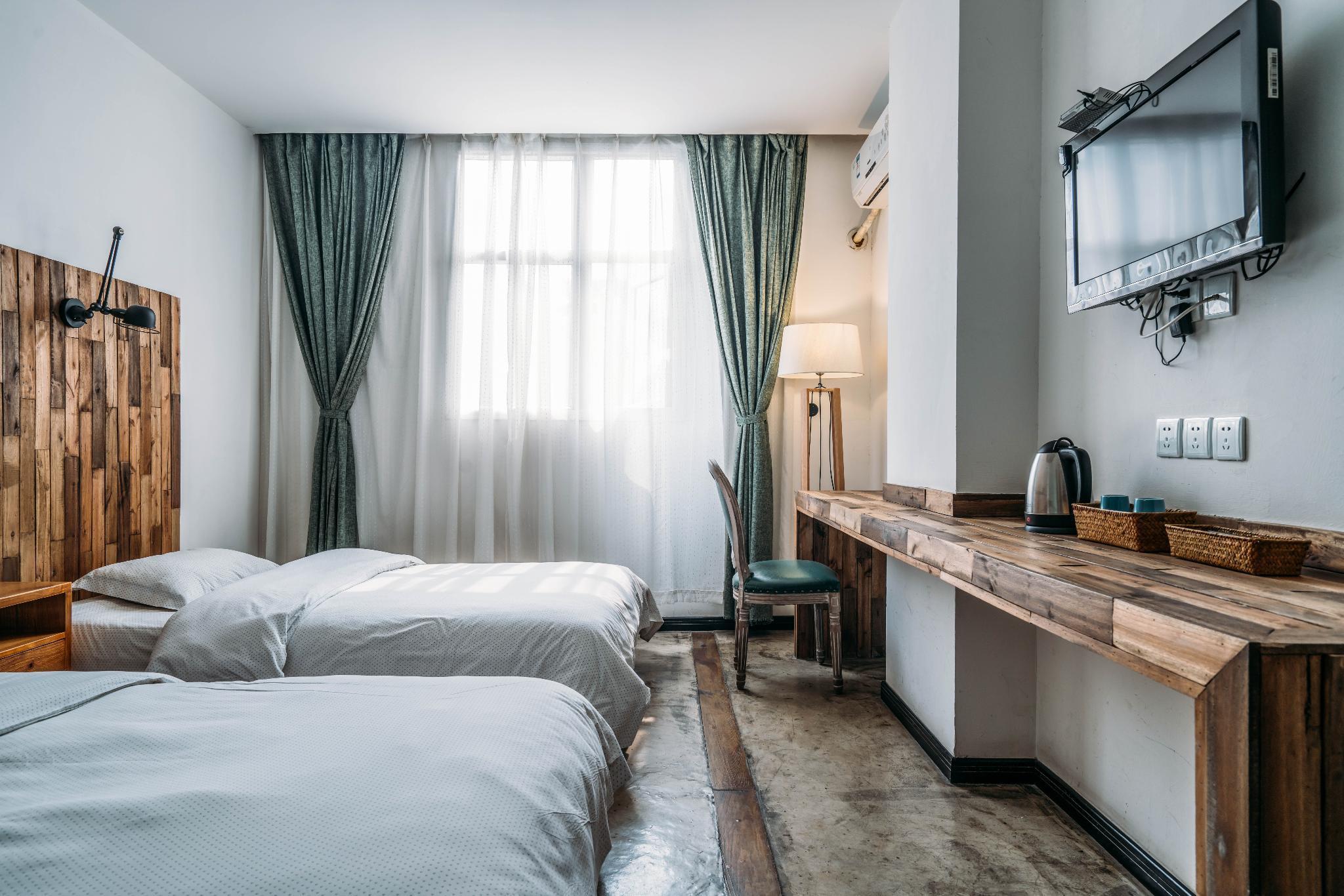 Chengdu Lazybones Hostel Poshpacker Booking Agoda Com Best