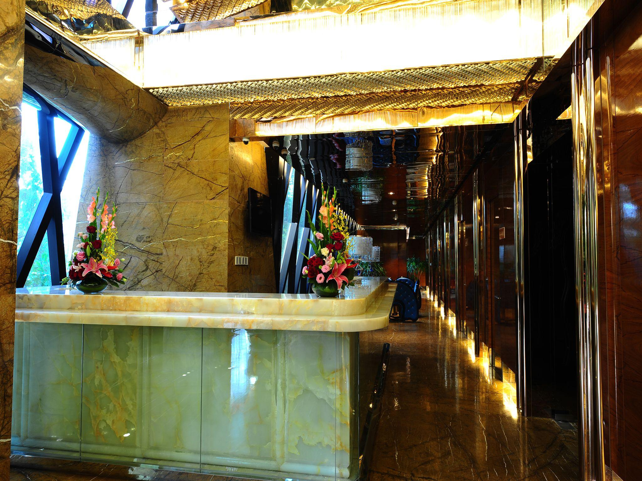 Beauty Crown Grand Tree Hotel In Sanya Room Deals Photos
