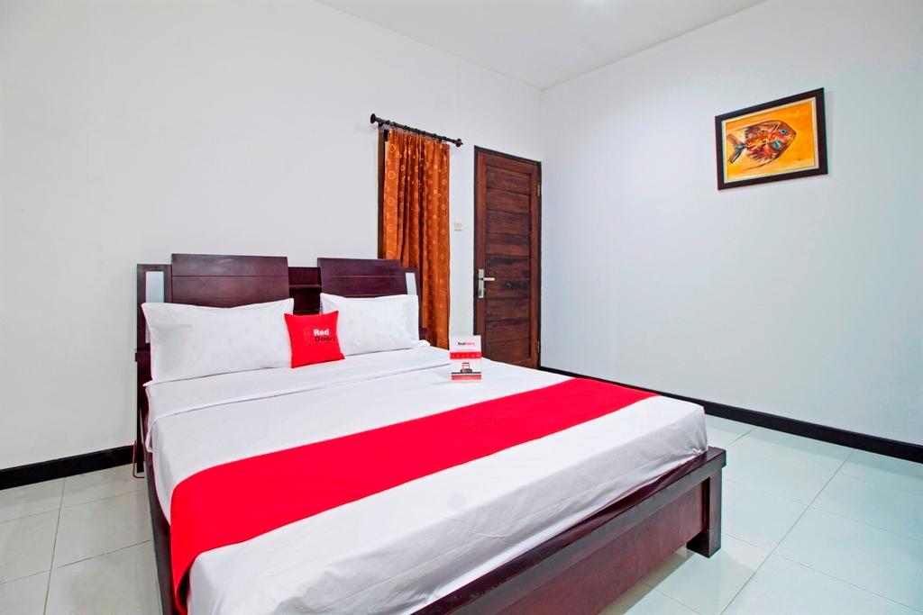 Reddoorz Plus Near Itc Fatmawati Kemang Jakarta Agoda 2020