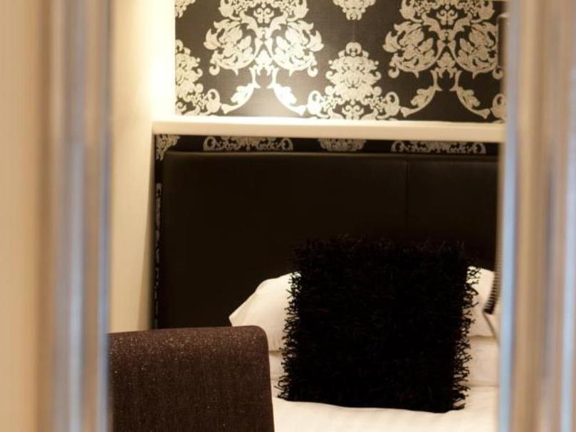 Jerichos Guest House In Windermere Room Deals Photos
