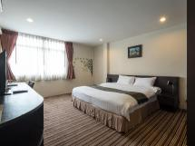 Cozy Ten Hotel In Bangkok - Room Deals &