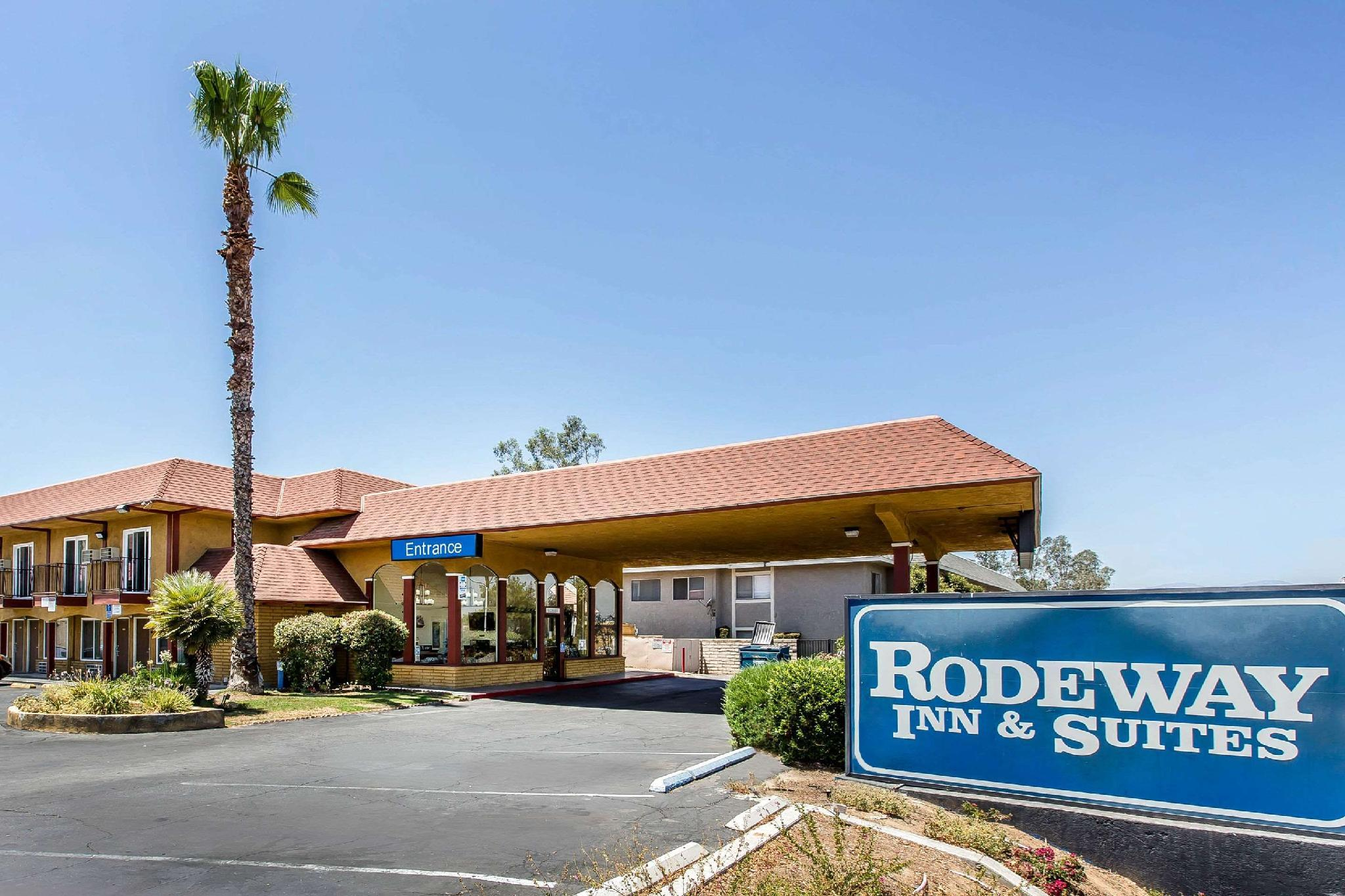 Rodeway Inn And Suites Canyon Lake I 15 In Canyon Lake Ca