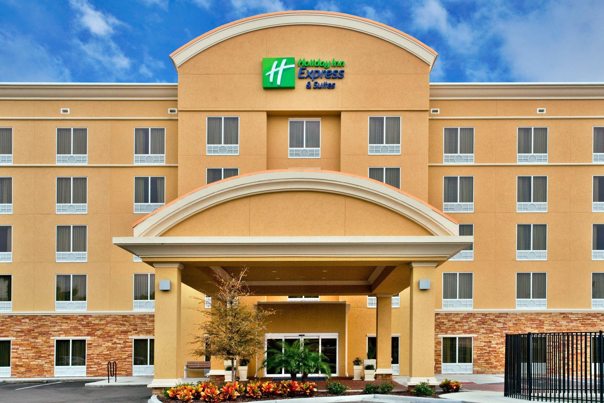 Holiday Inn Express Hotel Suites Largo Clearwater Largo
