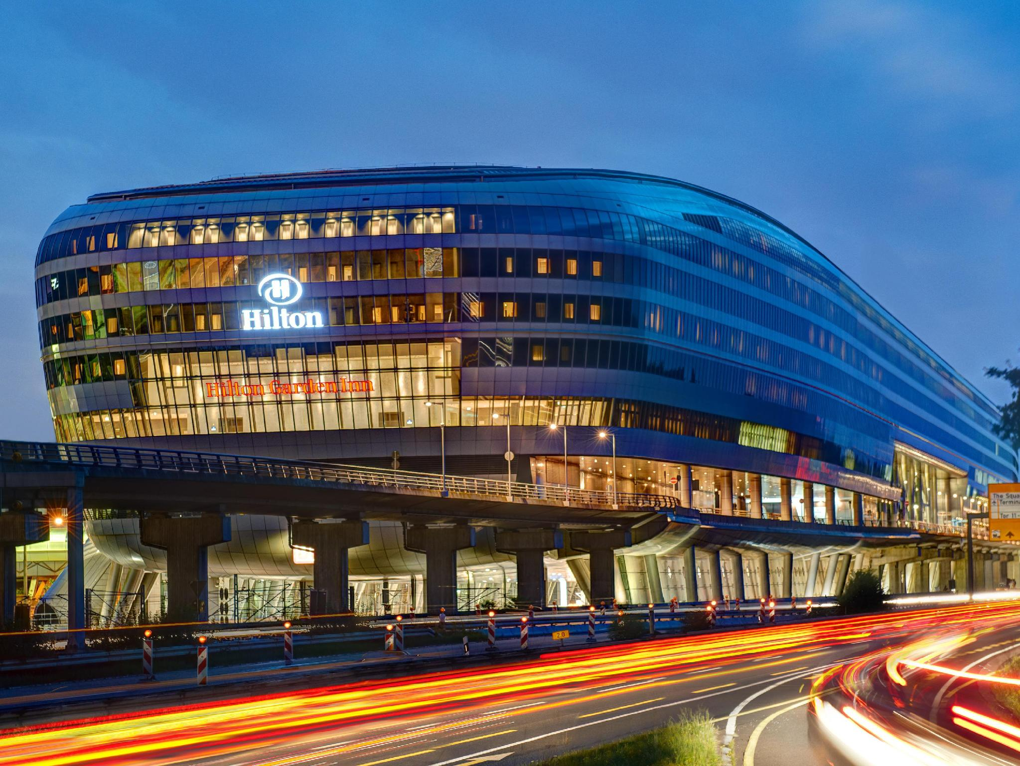 Hilton Frankfurt Airport Flughafen Frankfurt Am Main Mulai