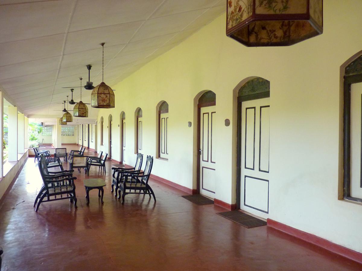 swing chair sri lanka cheap banquet covers wholesale sigiriya rest house in room deals photos