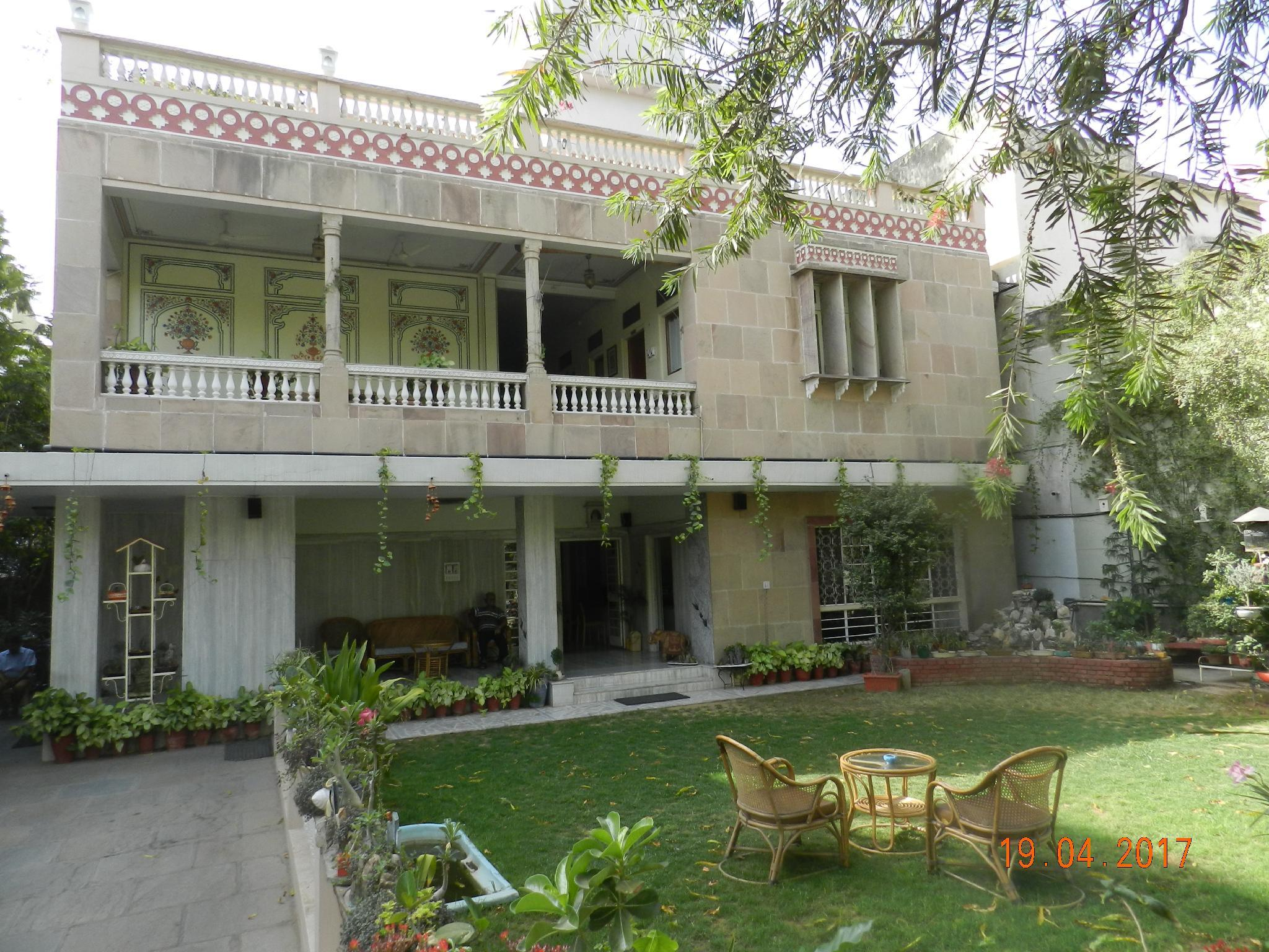 Hotel Tara Niwas Bani Park Jaipur Room Deals Photos