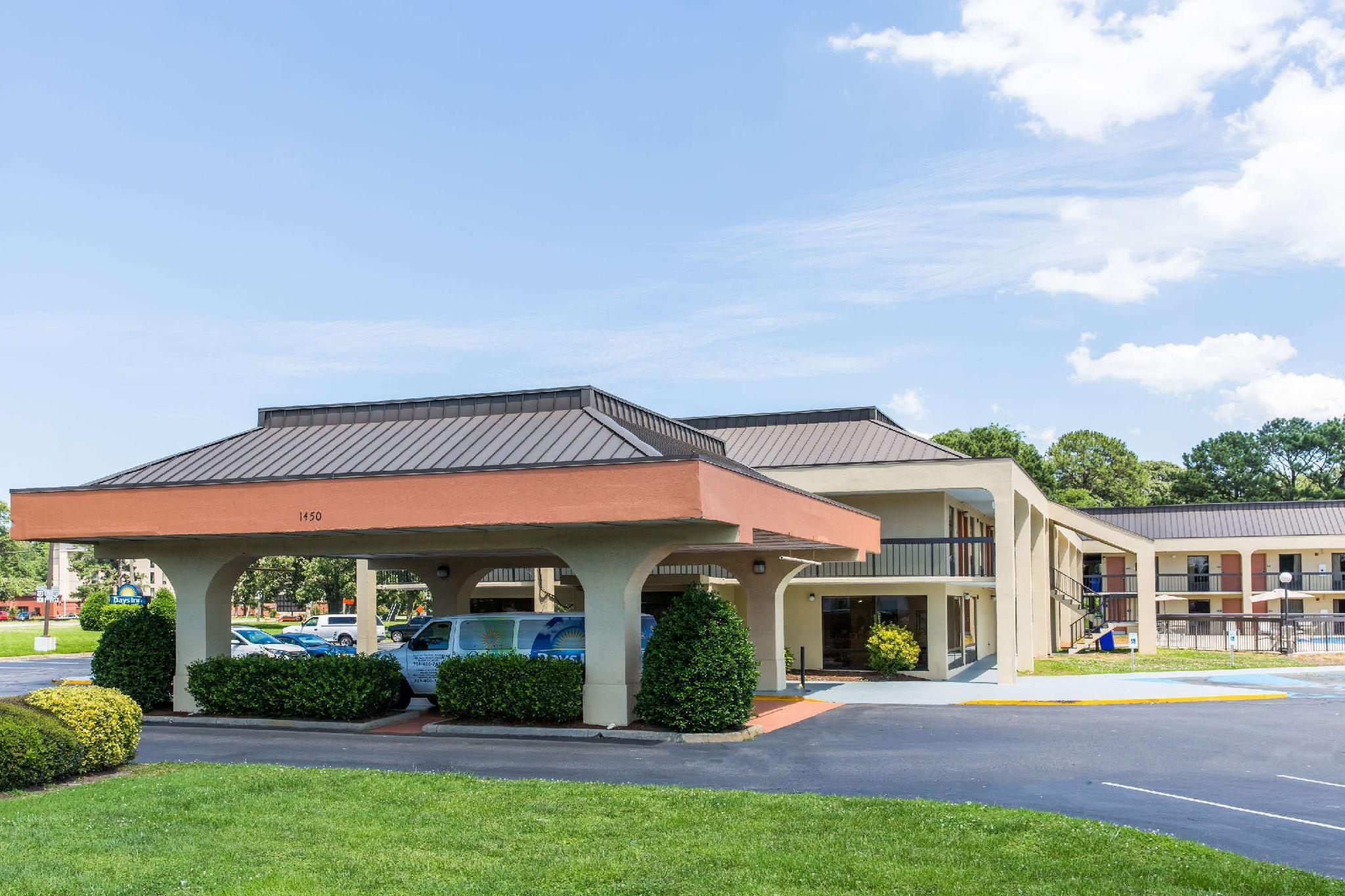 Book Days Inn By Wyndham Norfolk Airport In Norfolk Va