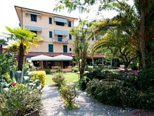 Book Hotel Gemma Del Mare In Marina Di Pietrasanta Italy