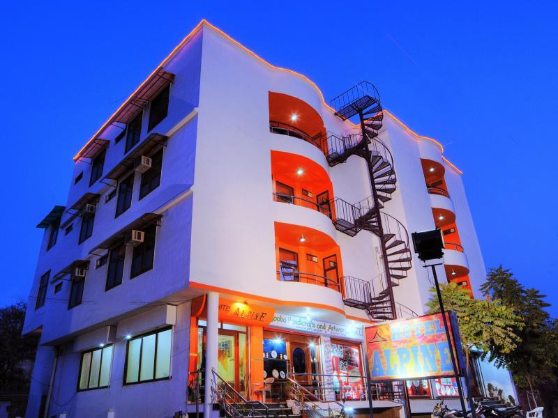 Hotel Alpine Agra India Photos Room Rates Promotions