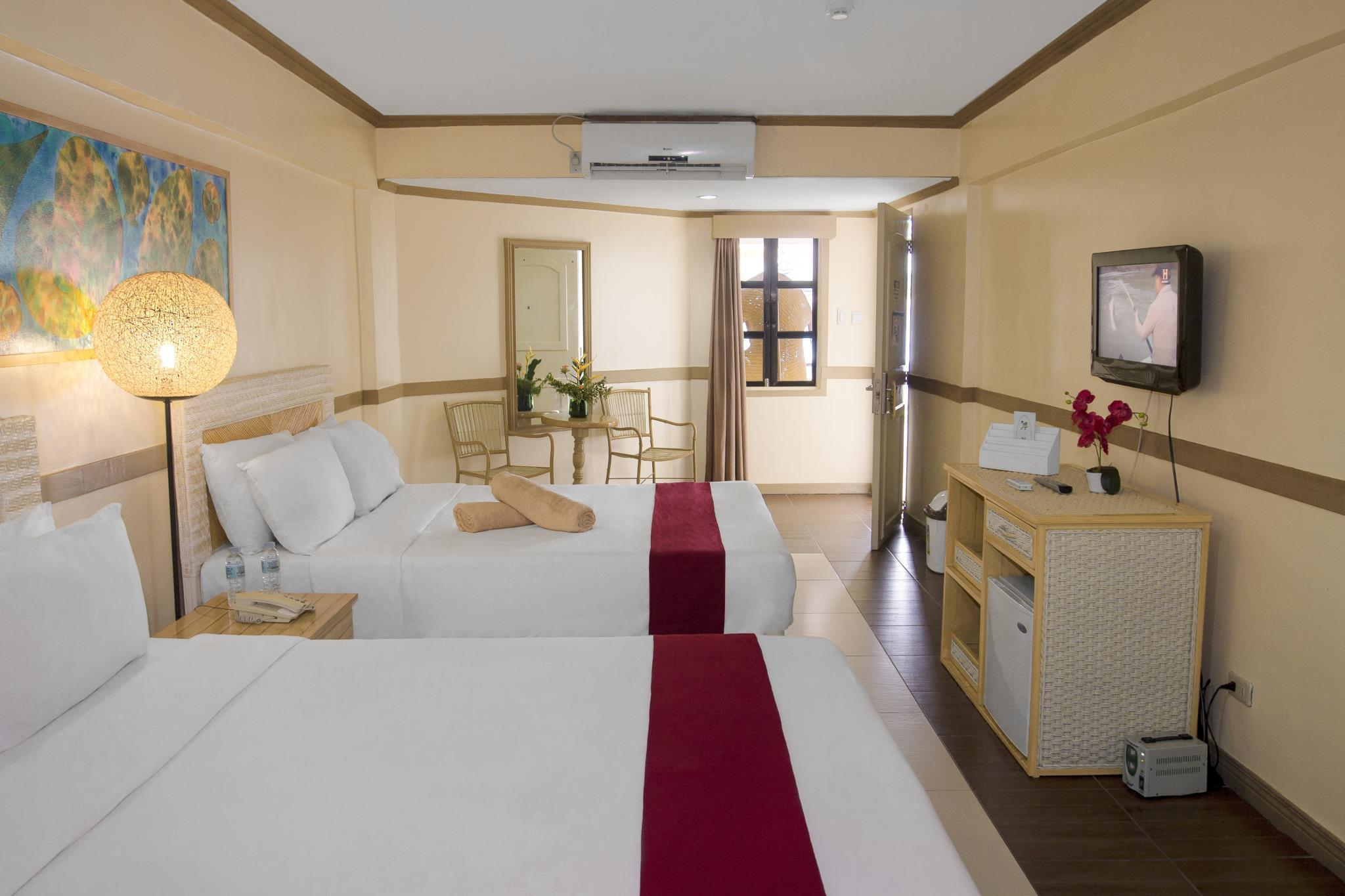 White Rock Waterpark And Beach Hotel Resort Subic