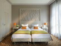 Splendid Etoile Hotel In Paris - Room Deals &