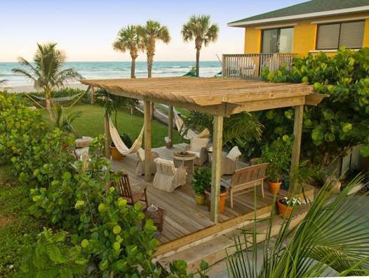 beach guest house cocoa beach