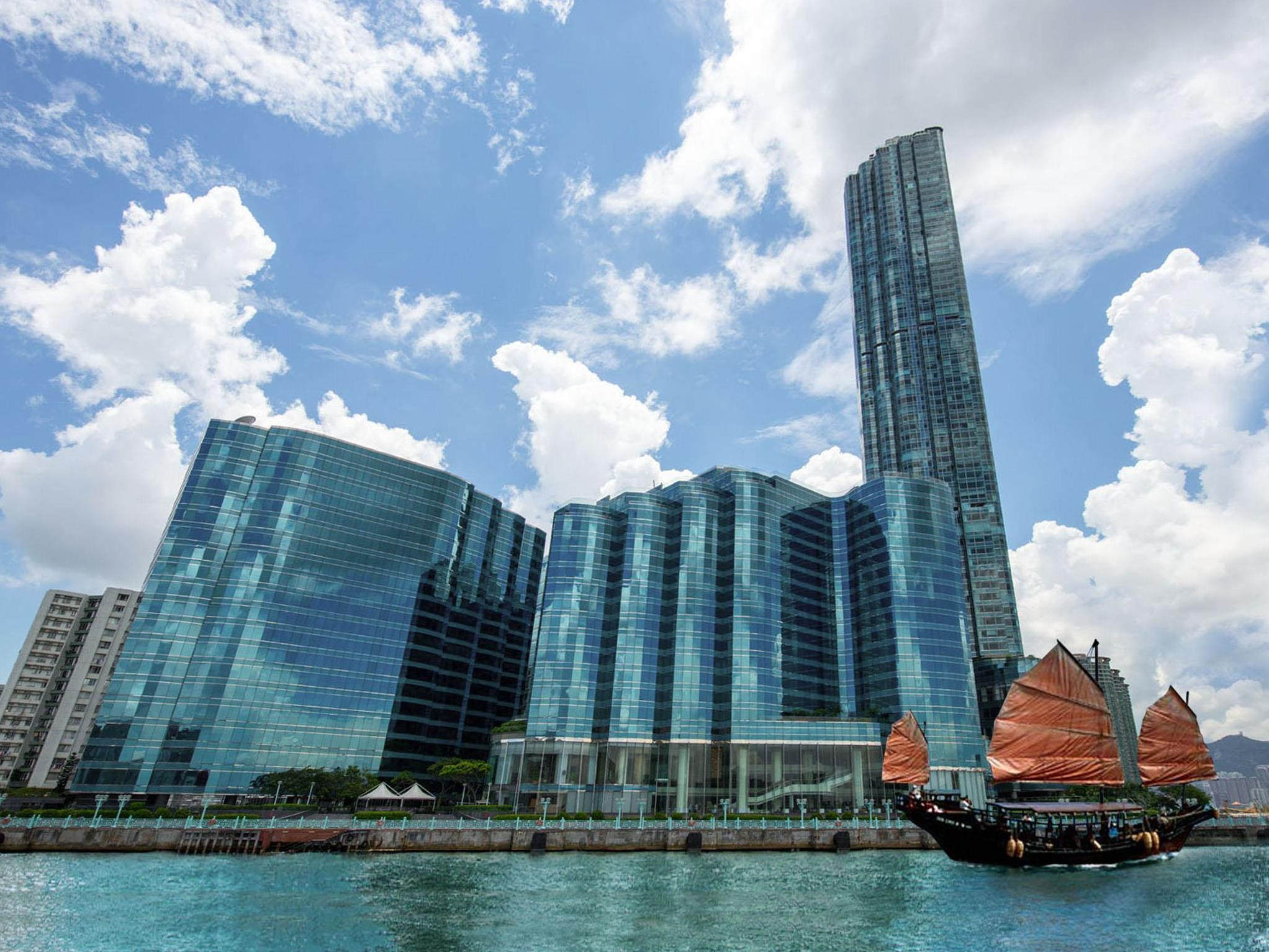 Harbour Grand Kowloon Hotel (Hong Kong) - Deals. Photos & Reviews