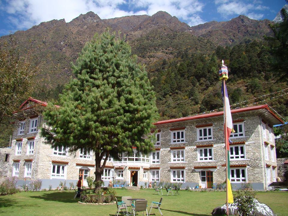 Everest Summit Lodge Lukla Guesthouse Bed And Breakfast