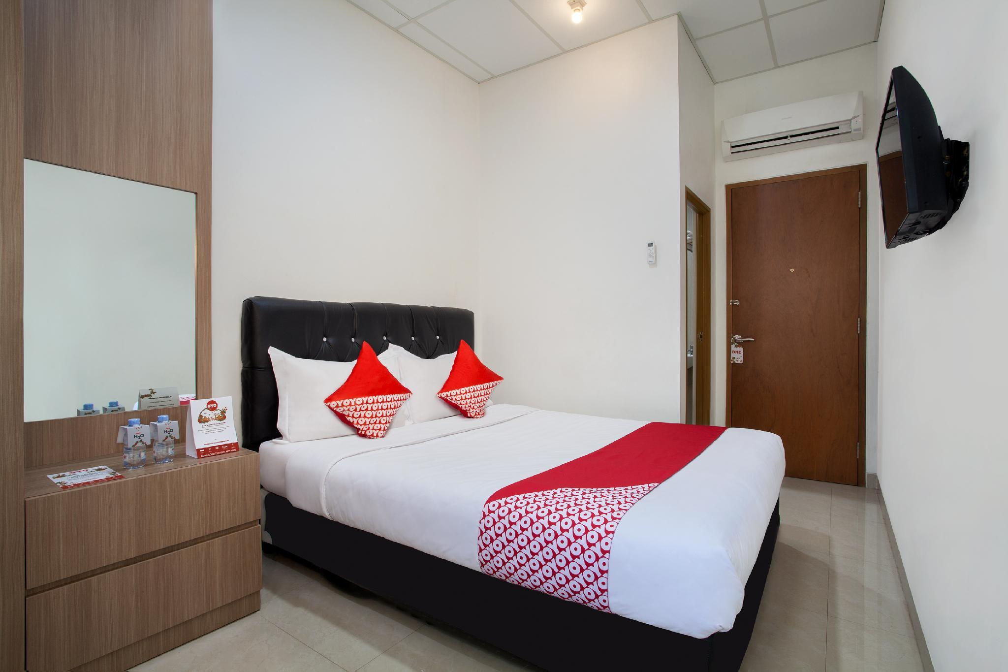 Deals On Oyo 106 Sarkawi Residence In Jakarta Promotional
