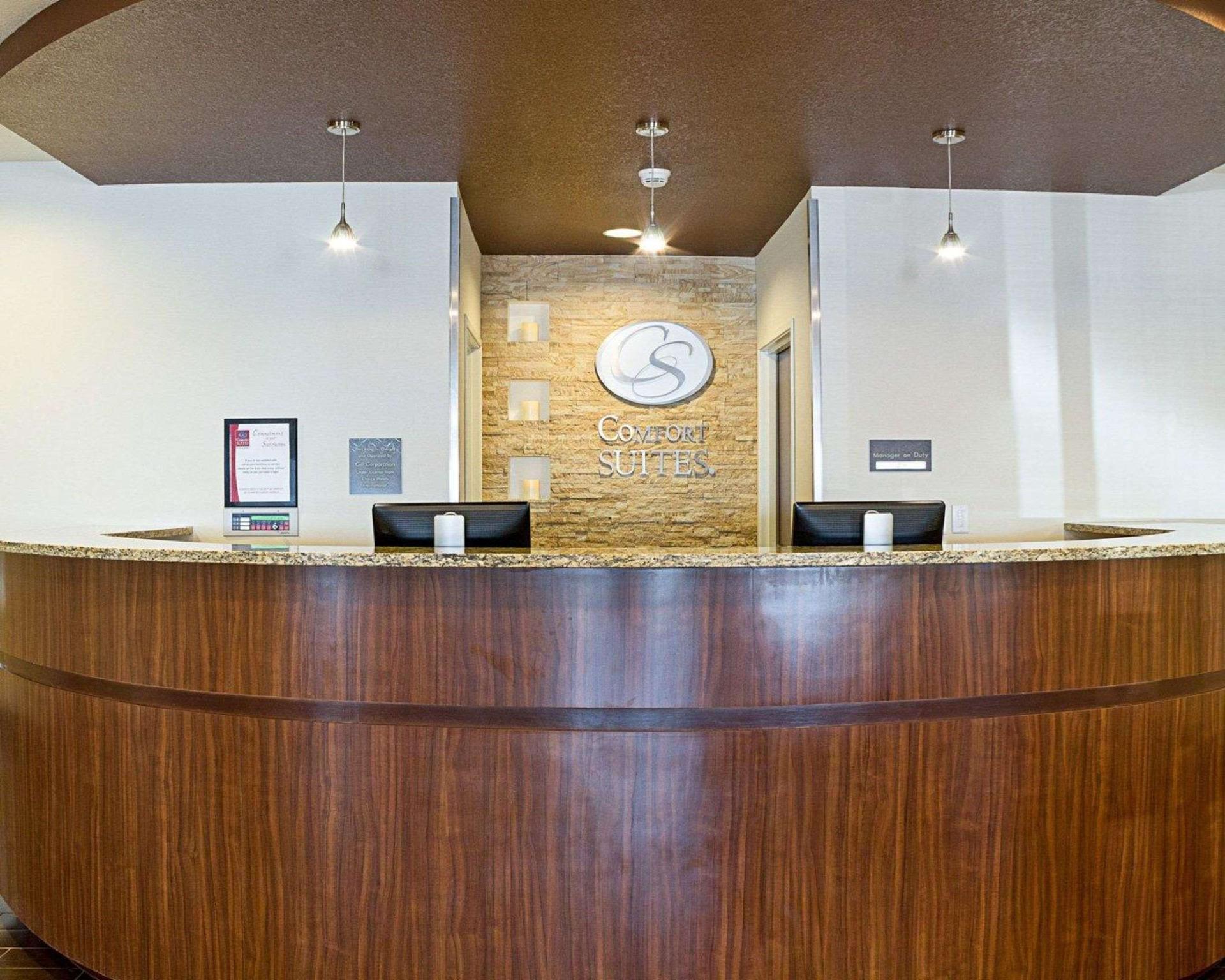 Best Price On Comfort Suites Hotel Minot In Minot Nd