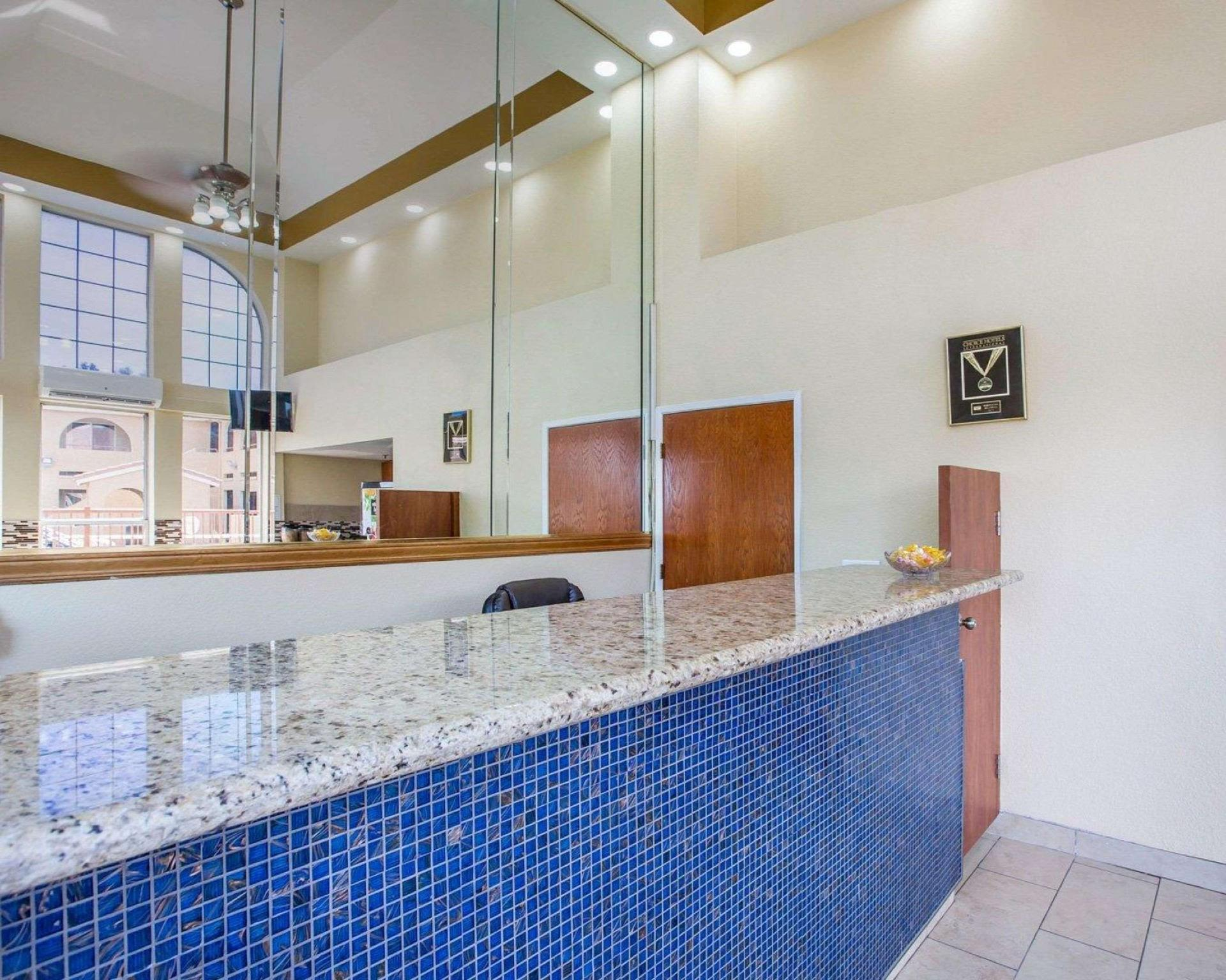 Rodeway Inn Delano Delano Ca Room Rates Photos Reviews